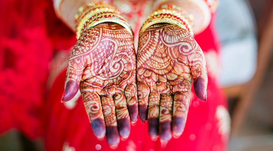 Henna Hands hero