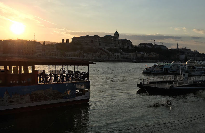 Evening cruise in Budapest