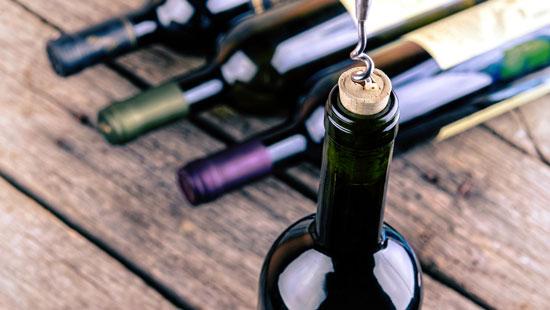 buying wine in Italy