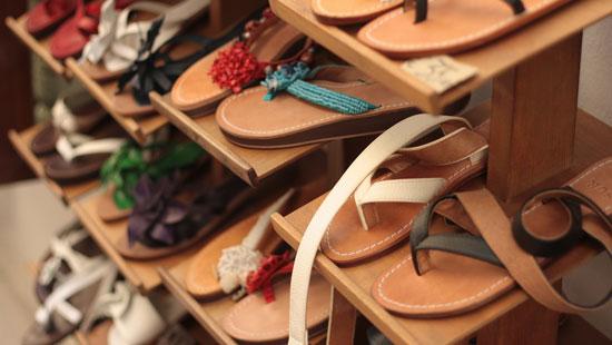 leather sandals in capri
