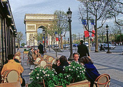 Arc de triomphe street cafe - France