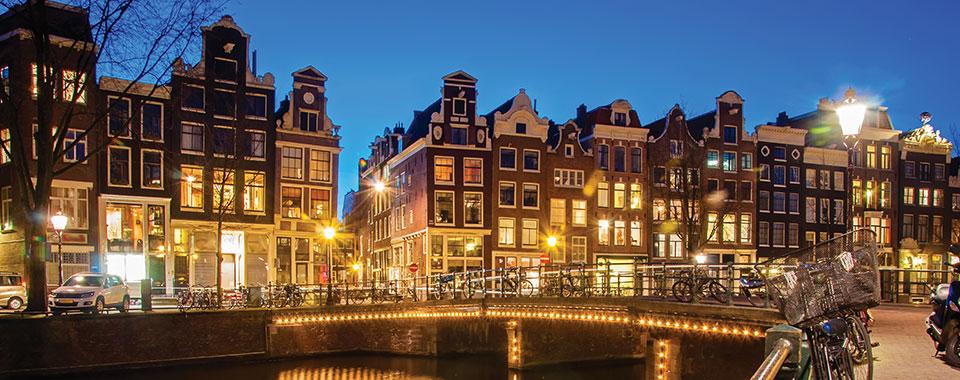 Amsterdam_51105122_FotoliaRF_5352_960x380