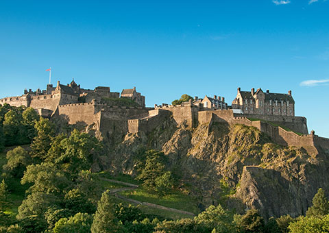 EdinburghCastle_18542884_FotoliaRF_2227_480x340