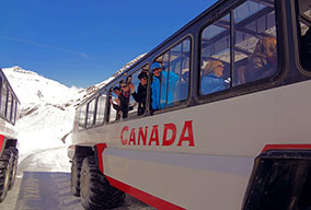 banff-national-park-bus_CVO_6185_284x192