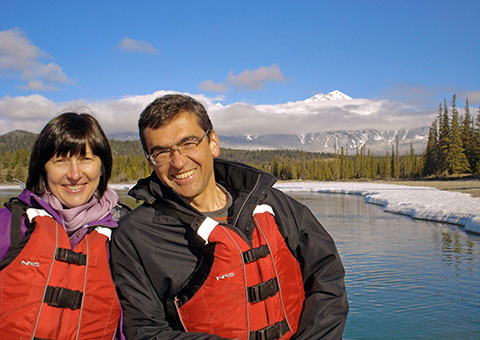 couple-on-river_CVO_6199_480x340
