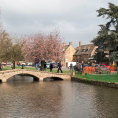 Bourton on the Water AdobeStock 142976724