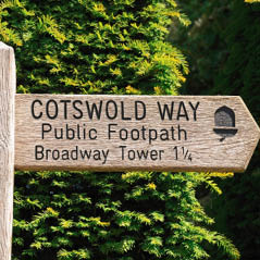 cotswold way sign AdobeStock 66850863