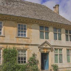 snowshill manor cotswolds london uk  AdobeStock 46416106