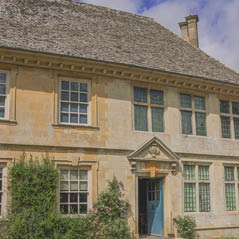 snowshill manor cotswolds london uk  AdobeStock 46416106