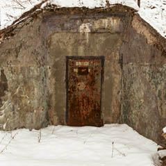 nuclear bunker  AdobeStock 112457839