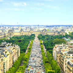 Champs Elysees AdobeStock 60810888