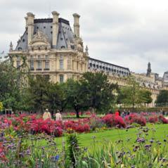 Louvre Paris AdobeStock 35685342