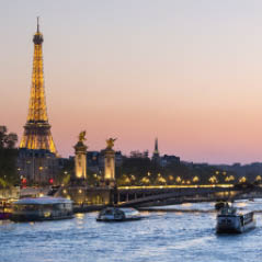 paris AdobeStock 126108484