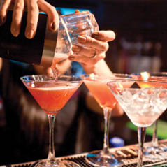 cocktails AdobeStock 94494916