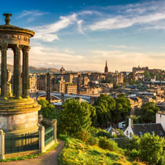 Edinburgh scotland AdobeStock 44806281