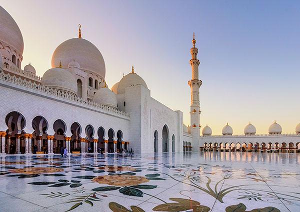 DubaiOman 108770780 carousel1