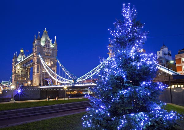 TowerBridge_Christmas_London_75053526_2