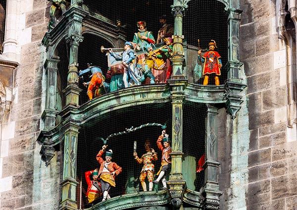 GlockenspielMunich_81013996_carousel3