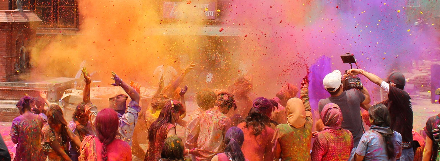 https://i.gocollette.com/tour-media-manager/tours/asia/india/292/packages/alt-holi/top-carousel/mysteriesofindiaholi_hero1.jpg