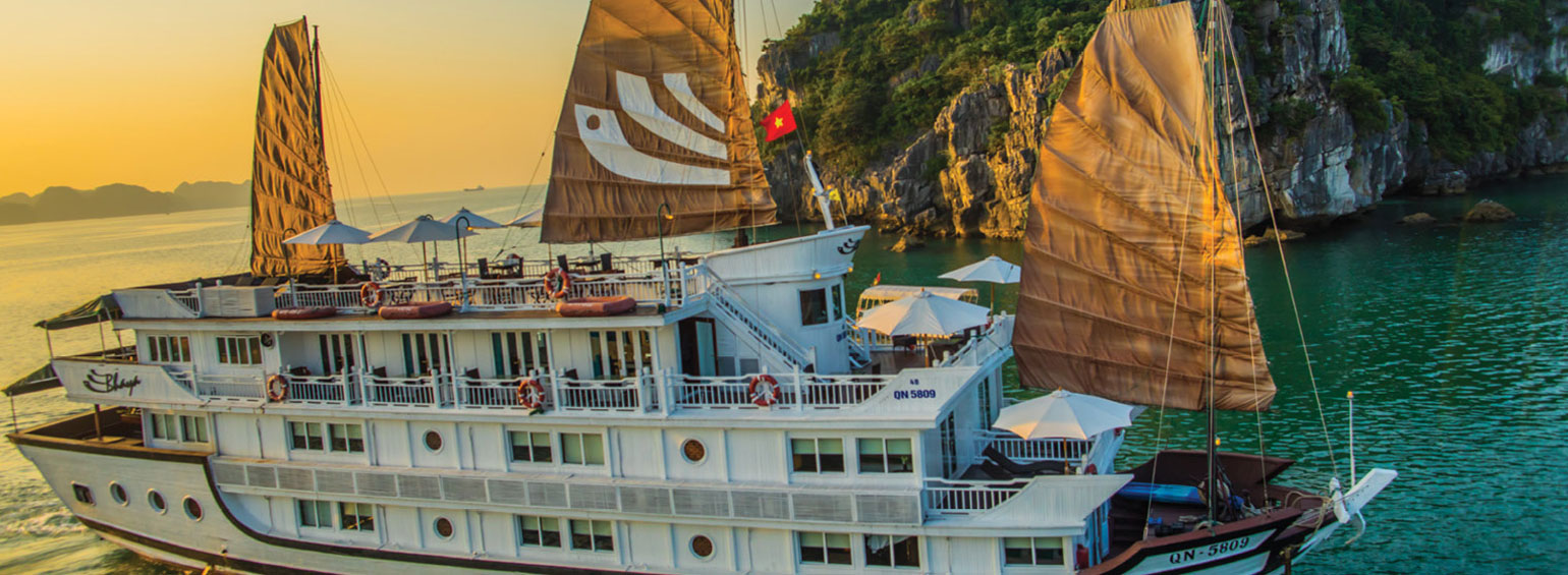 https://i.gocollette.com/tour-media-manager/tours/asia/vietnam/425/packages/master-package/top-carousel/kingdomsseasia_hero1_bhaya-cruise.jpg