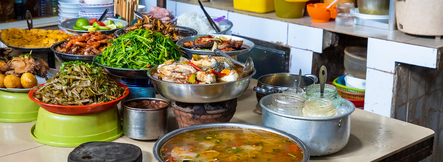https://i.gocollette.com/tour-media-manager/tours/asia/vietnam/597/packages/master-package/top-carousel/tasteofvietnam-hero3-food.jpg
