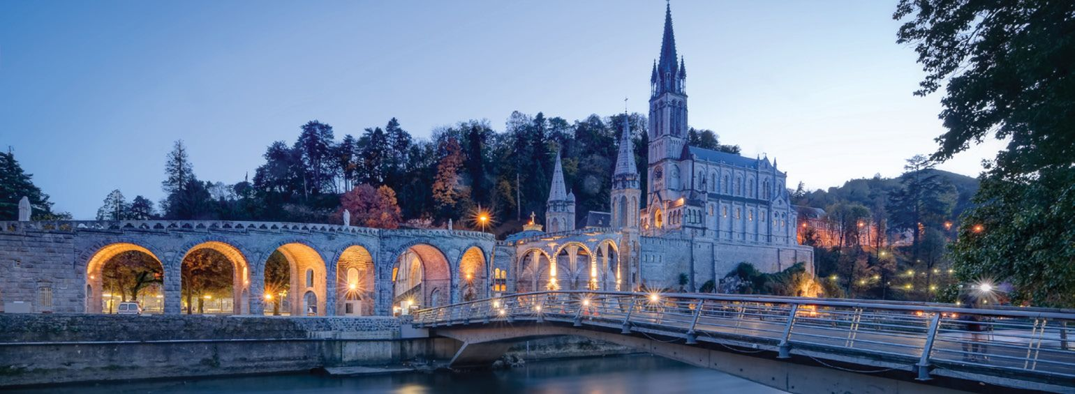 https://i.gocollette.com/tour-media-manager/tours/europe/france/53/packages/master-package/top-carousel/pilgrimagefatimalourdesbarcelona_hero1_lourdes.jpg