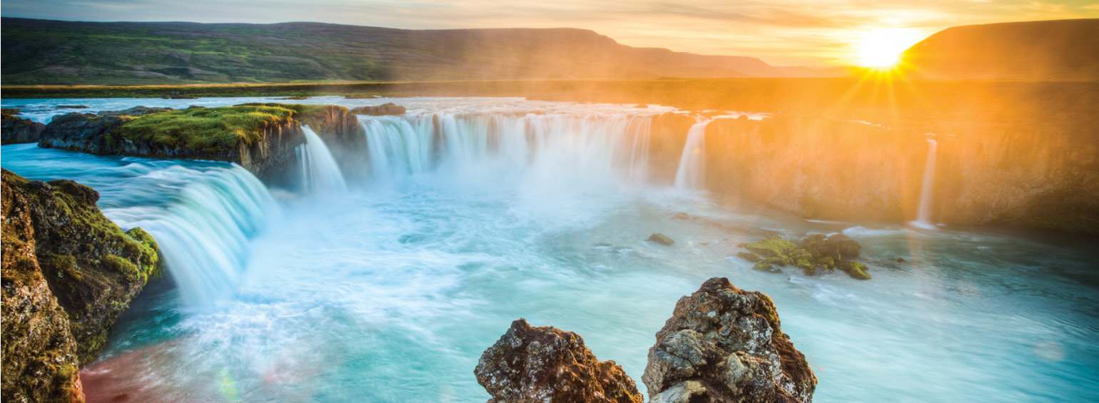 https://i.gocollette.com/tour-media-manager/tours/europe/iceland/604/packages/master-package/top-carousel/icelandicadventure_hero1_godafoss.jpg