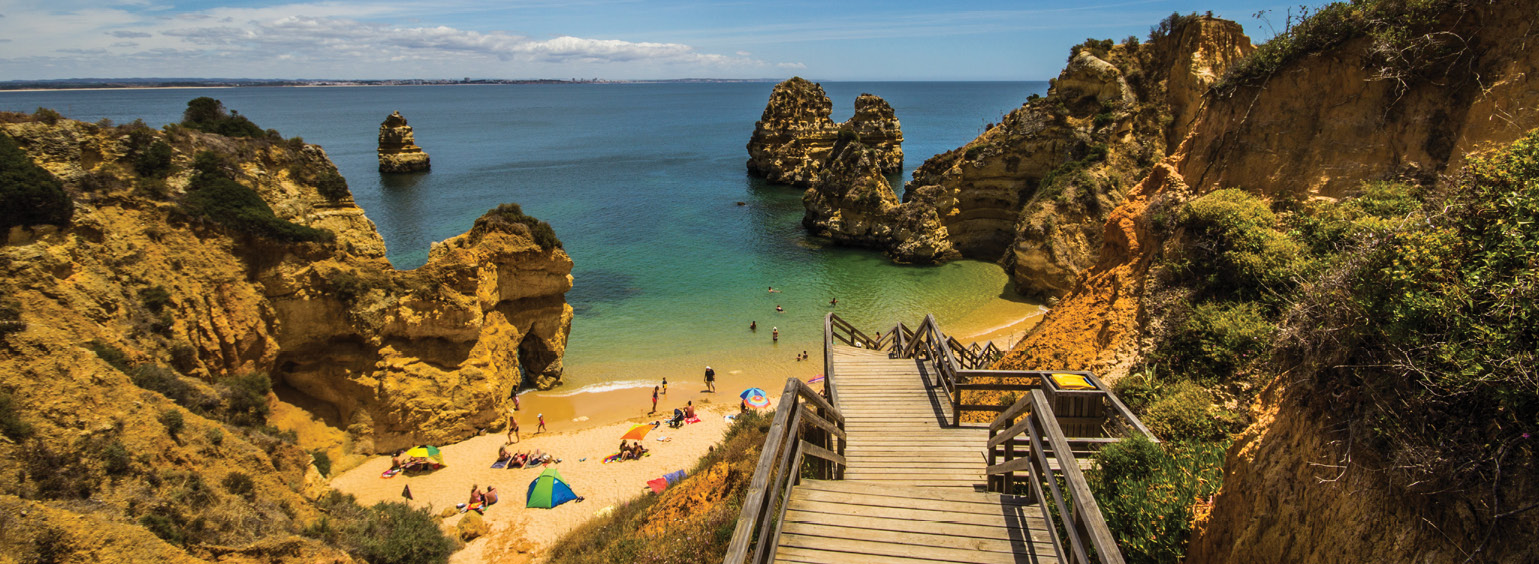 https://i.gocollette.com/tour-media-manager/tours/europe/portugal/51/packages/master-package/top-carousel/sunnyportugalestoril_hero1_algarve.jpg