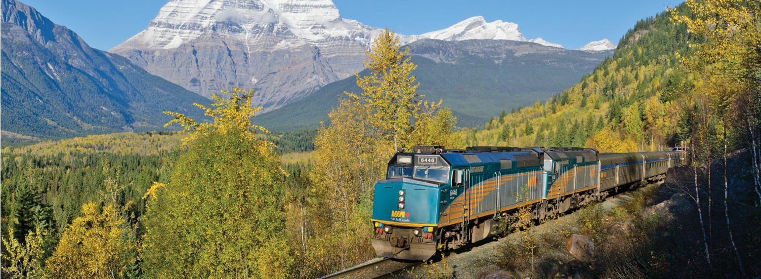 https://i.gocollette.com/tour-media-manager/tours/north-america/canada/371/packages/master-package/top-carousel/canadianrockiesbytrain_hero1_viarail.jpg