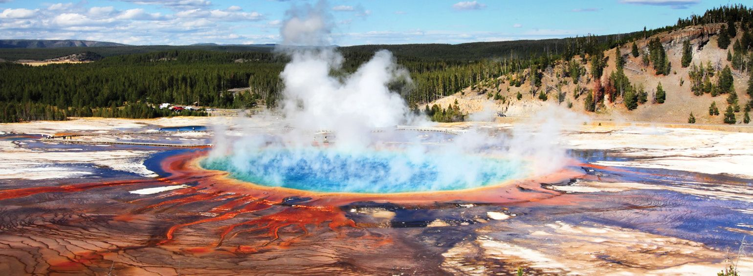 https://i.gocollette.com/tour-media-manager/tours/north-america/usa/271/packages/master-package/top-carousel/northernnationalparks_hero1_yellowstonenp.jpg