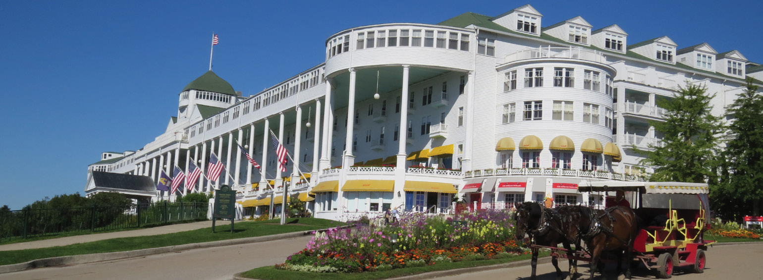 https://i.gocollette.com/tour-media-manager/tours/north-america/usa/57/packages/master-package/top-carousel/mackinacisland_hero1_grandhotel.jpg