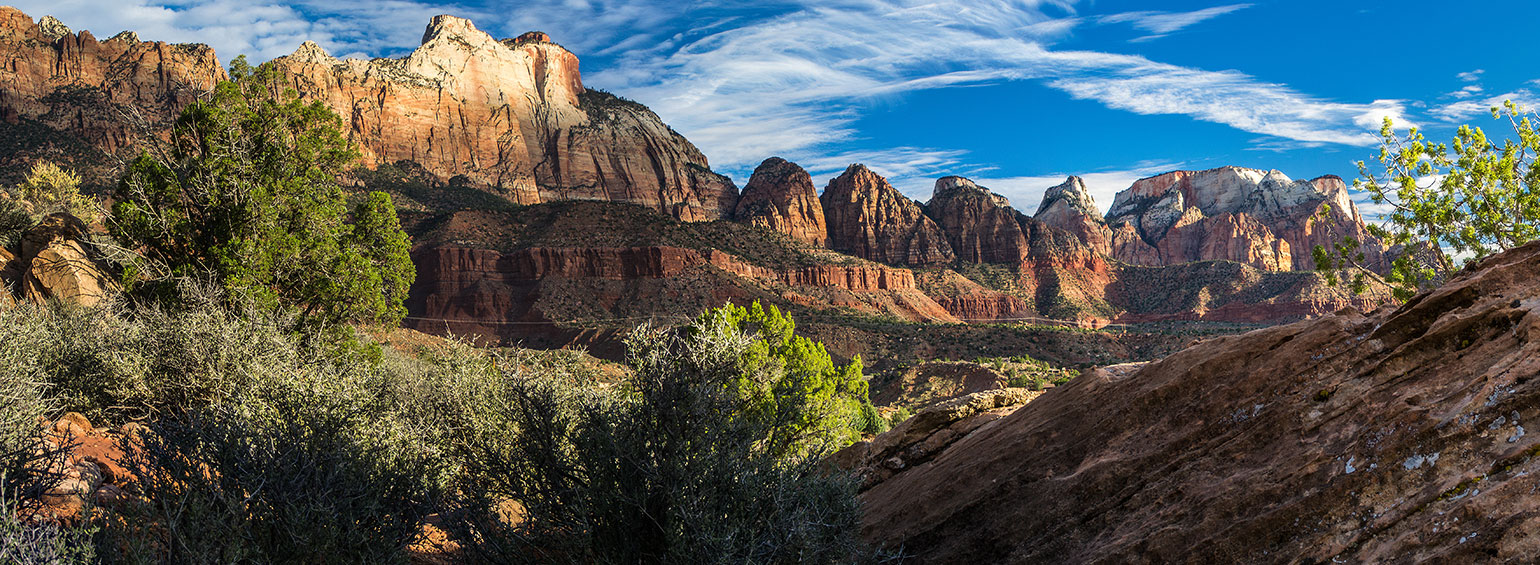 https://i.gocollette.com/tour-media-manager/tours/north-america/usa/634/packages/master-package/top-carousel/paintedcanyonsofthewest_hero1_zionpark.jpg