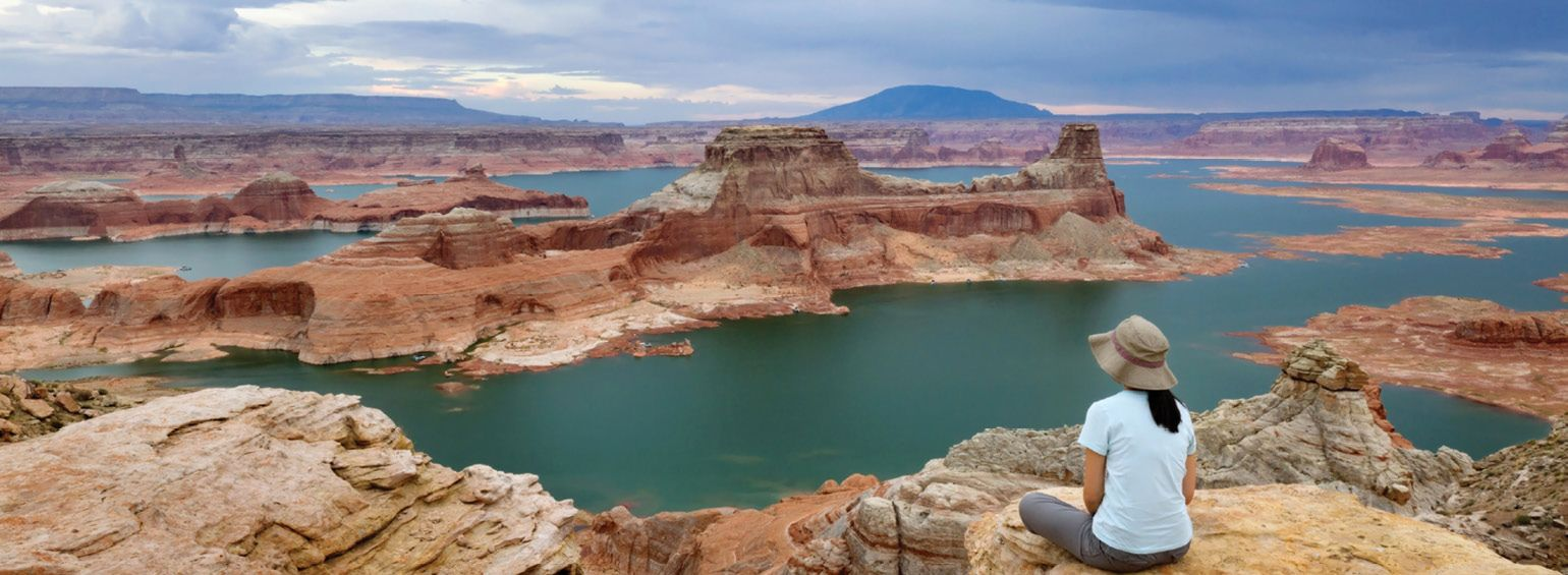 https://i.gocollette.com/tour-media-manager/tours/north-america/usa/93/packages/national-parks-of-america-master/top-carousel/nationalparksamerica_hero1_lakepowell.jpg